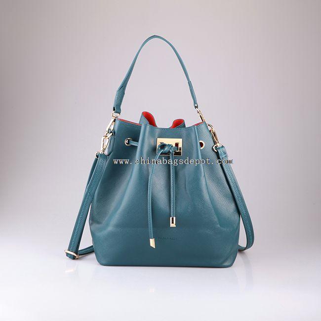 Lady bucket bag with shoulder