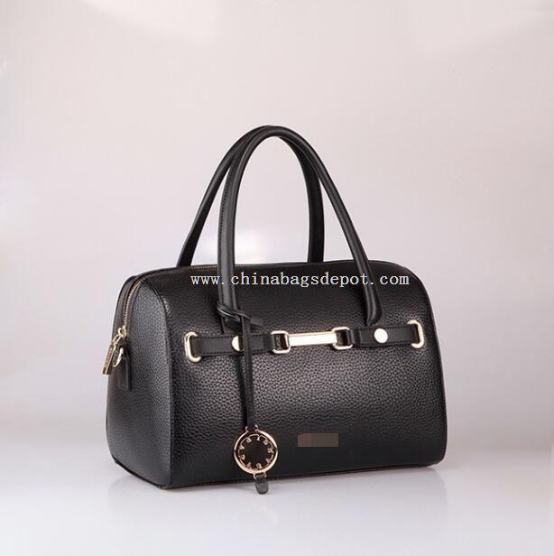 Woman tote handbag